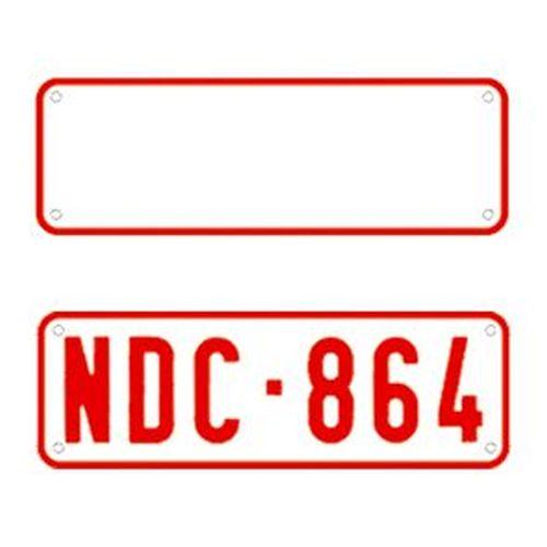 plaque d 39 immatriculation petit blanc texte rouge 34x11cm tout pour votre voiture et camion delrue. Black Bedroom Furniture Sets. Home Design Ideas