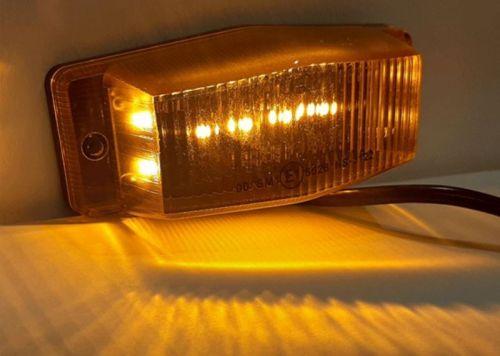 Markeerlamp 8LED oranje 24V (dubbelbrander)